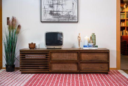 Mueble audiovisual de madera Jake