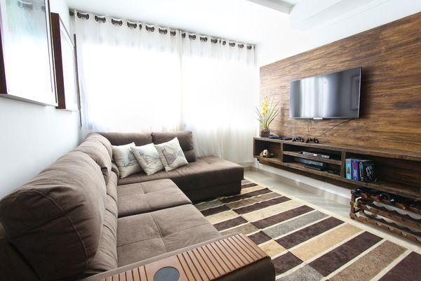 Mueble de TV grande de estilo vintage