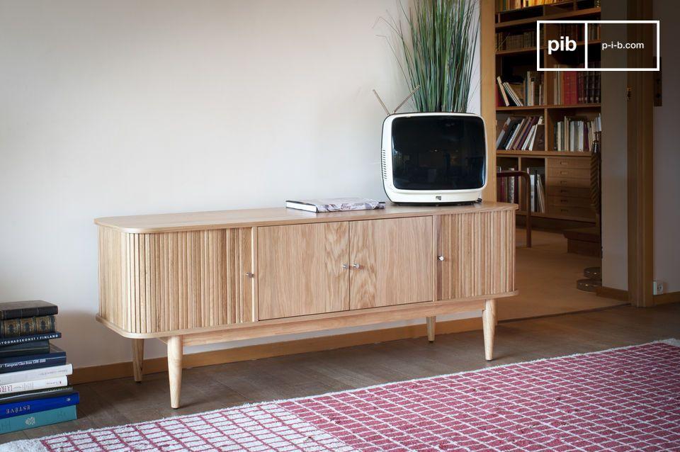 El Mueble TV Cortinas Ritz combina un estilo de madera clara con un sistema de cierre original y