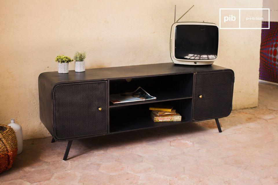 Todo da un toque de estilo vintage industrial a este mueble TV