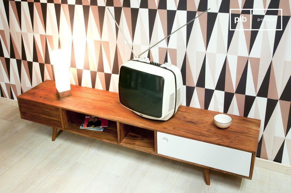 Típico diseño de los años 50, hecho en su totalidad de madera maciza de acacia