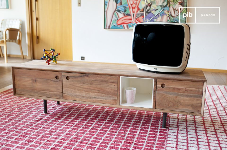 El diseño de madera de acacia aceitada sólida ofrece un acabado muy mate