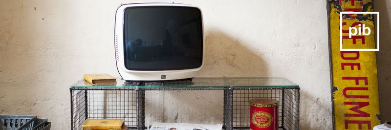 Muebles tv vintage industriales pronto de nuevo en la colección
