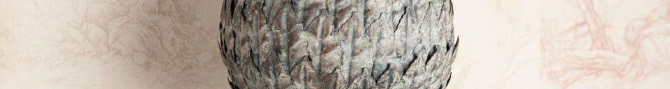 Descriptivo Materiales  Ornamento de pino en forma de cono
