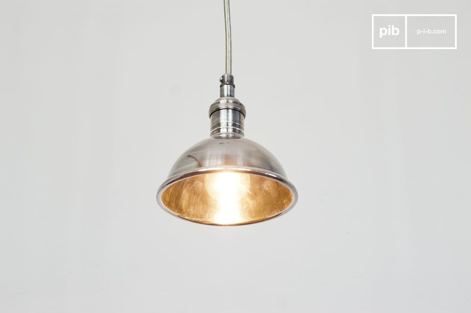 Pequeña lámpara colgante plateada