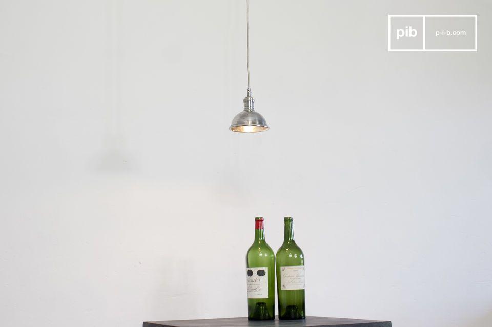 Lámpara de suspensión de latón plateado con un acabado de alta calidad