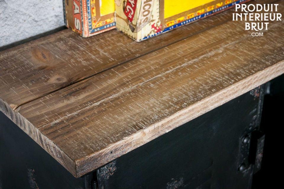 El perchero de pared Hester es un práctico mueble que le dará un toque del estilo industrial a su