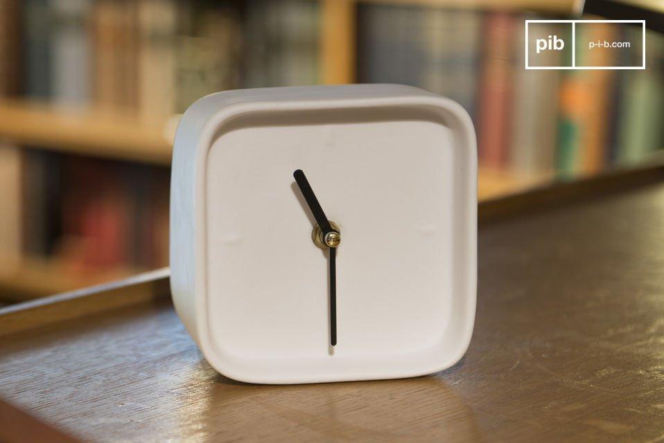 Reloj de porcelana Fjorden