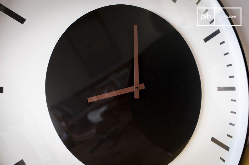 Diseño gráfico simple, para un accesorio de pared decorativo y práctico
