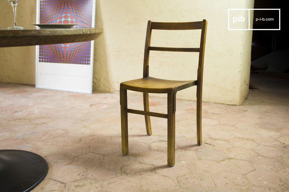 Una silla para asociarse con muebles antiguos de estilo industrial