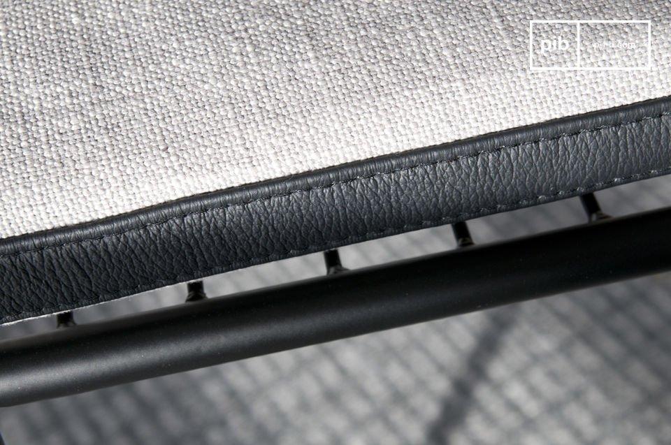 Con una línea muy moderna que sin embargo nos recuerda a algunos sofás de los años 1960