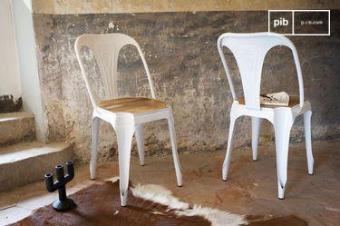 Silla blanca Multipl's con madera