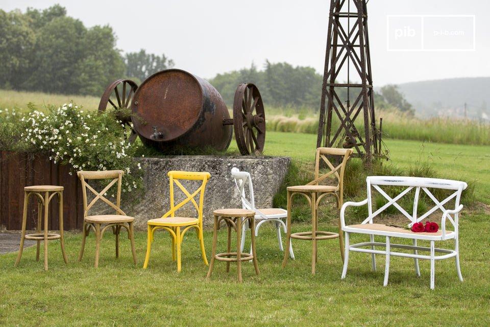 Una silla vintage cómoda y retro