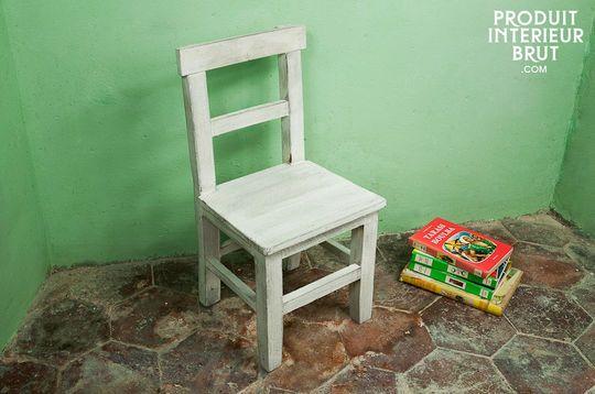 Silla de madera blanca para niños
