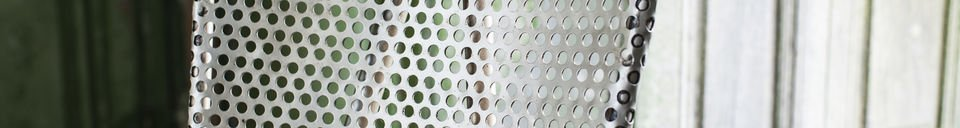 Descriptivo Materiales  Silla gris metálica