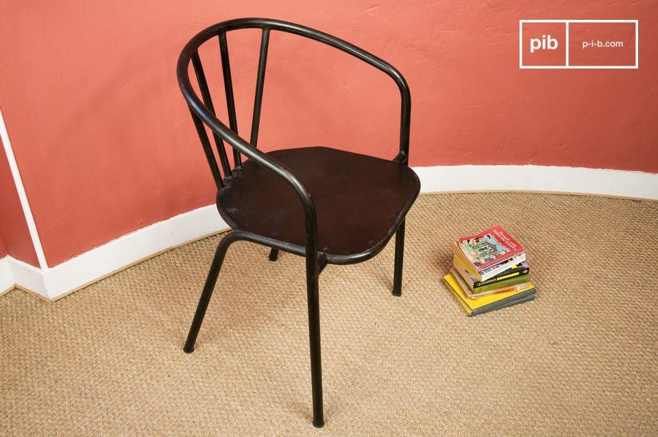 Esta silla está hecha de roca sólida con todo el estilo industrial