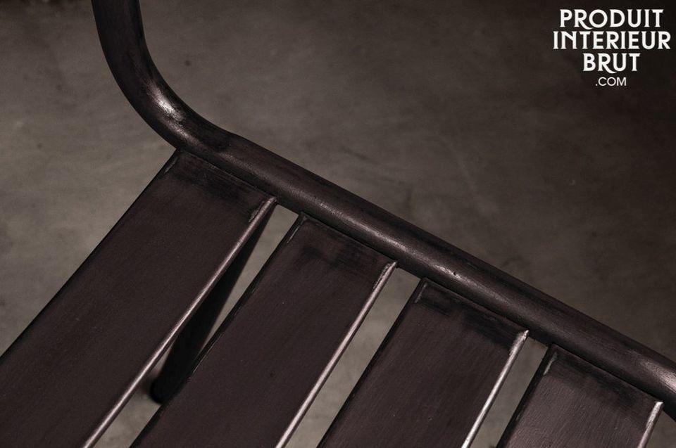 Silla Pretty barnizada con metal oscuro - 1