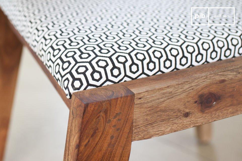 Una cómoda silla con todo el estilo de los años 50