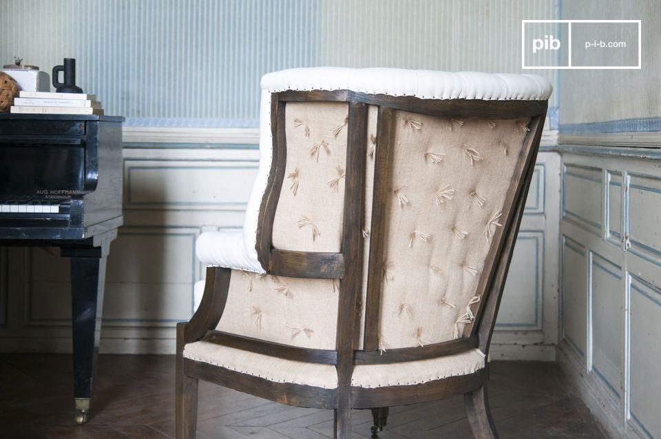 El sillón de Cambridge adopta la forma clásica del estilo Shabby-chic con la adición de la