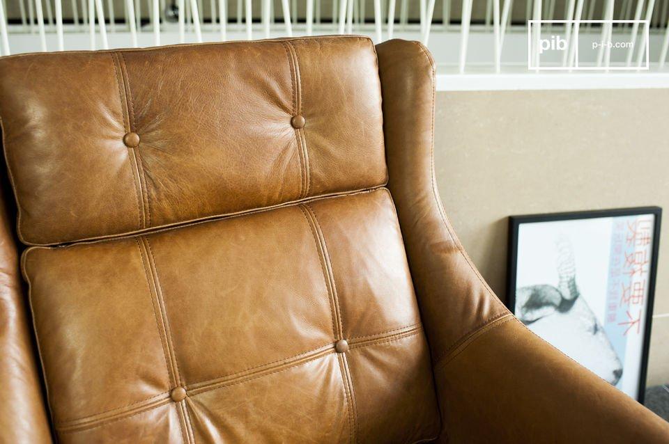 El asiento y el respaldo poseen detalles encantadores