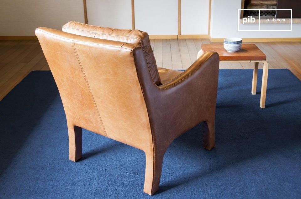 Con su estilo vintage elegante, el sillón Edimbourg tiene un estilo retro intemporal