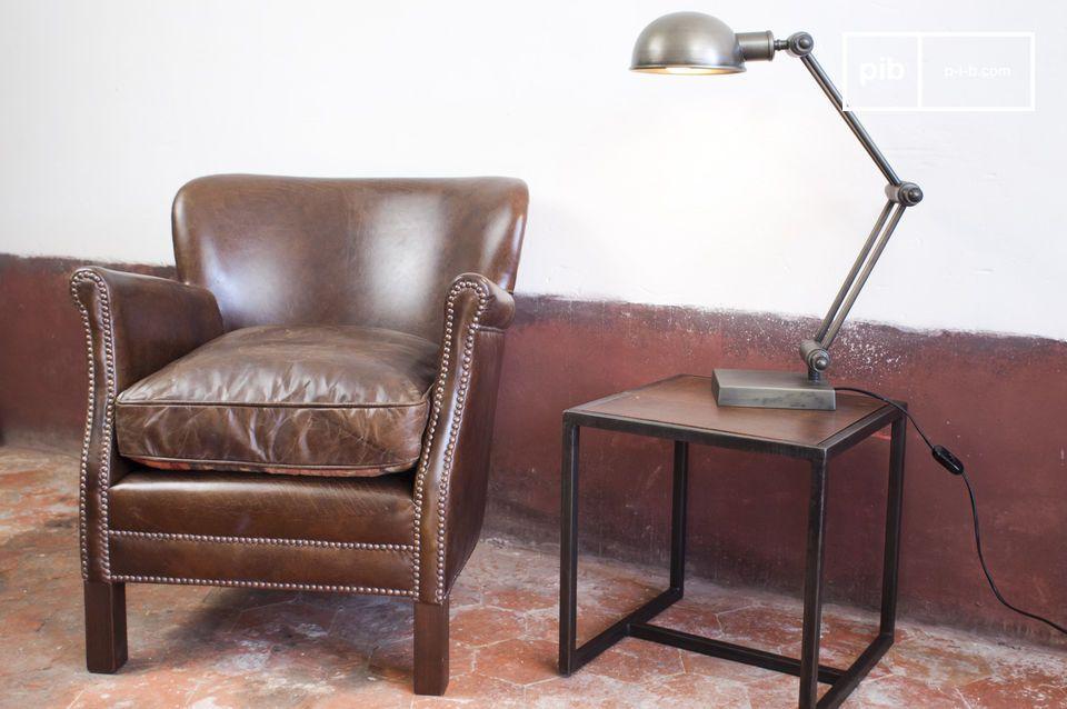 Diseñe el ambiente de un pub Inglés en su salón con este modélo muy clásico entre los sillones