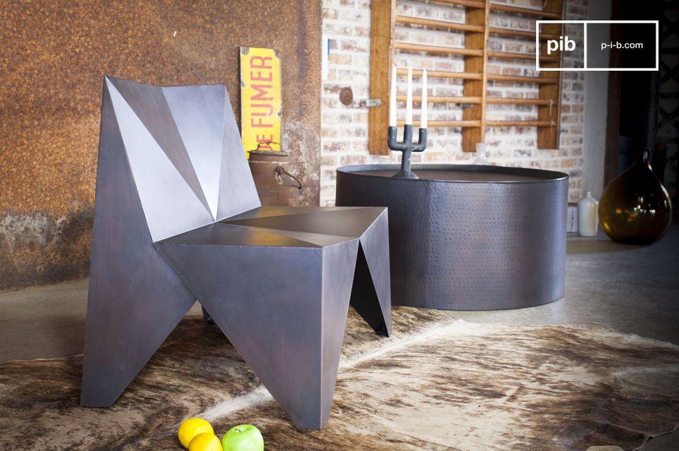 Diseño angular y único,100% metal