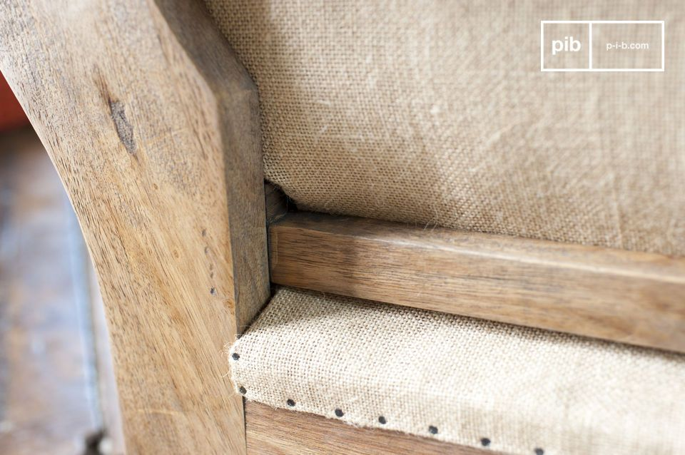 Ya sea para la estructura o para el asiento, los acabados de esta silla están hechos con cuidado