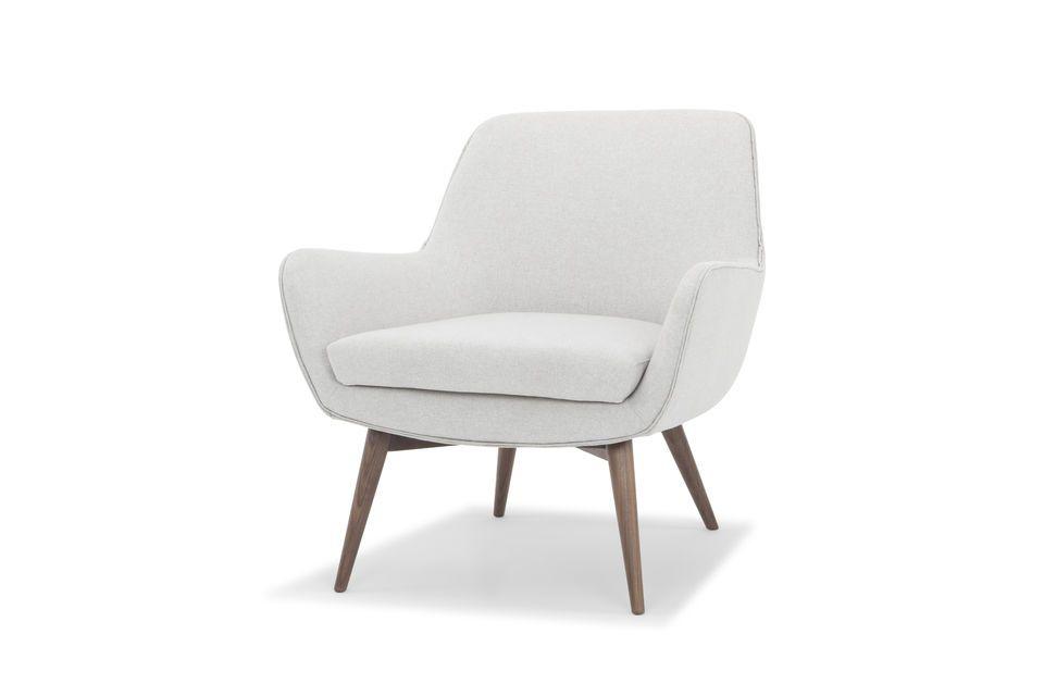 La tubería de doble piel le da un toque de diseño al sillón Järvi y hace eco del color de la