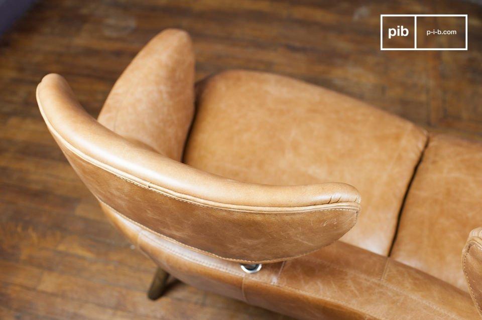 El sillón doble Queen es sin ninguna duda un mueble único en su género que no dejará a nadie