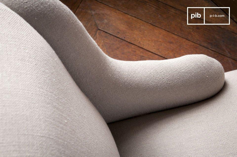 Usted podrá apreciar los excelentes acabados del sillón Dumas