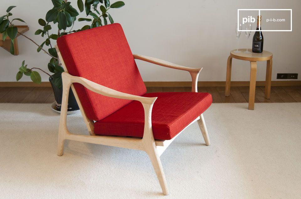 Un sillón rojo bermellón con encanto escandinavo