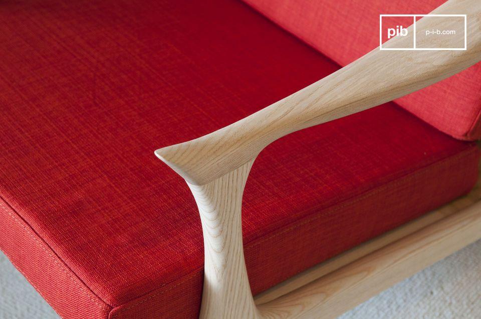 Este sillón de colores brillantes con diseño escandinavo inspirado en los años 50 dará un toque