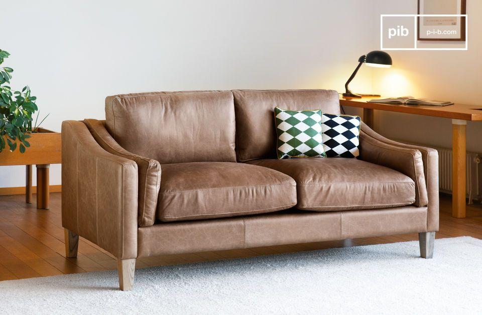 El sofá Heidsieck de canela está hecho de 100% de cuero de anilina de grano entero