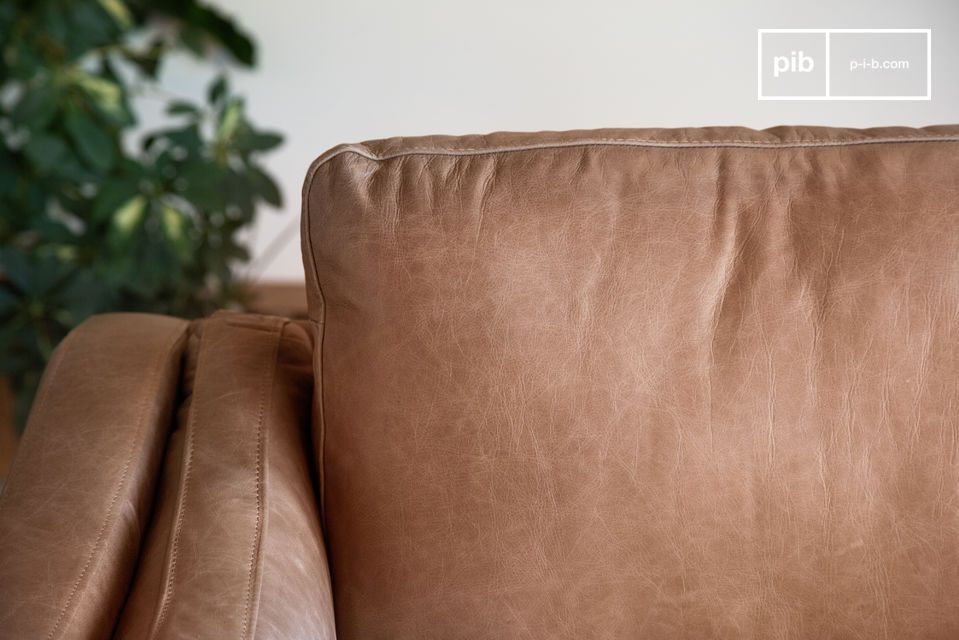 Puede ir acompañado de un sillón de la misma colección