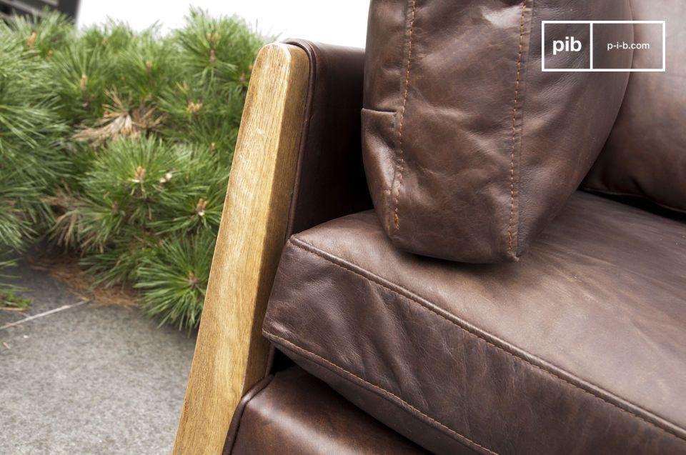 El sofá Ariston es el ejemplo perfecto de un mueble inspirado en el diseño de los años 60 y la
