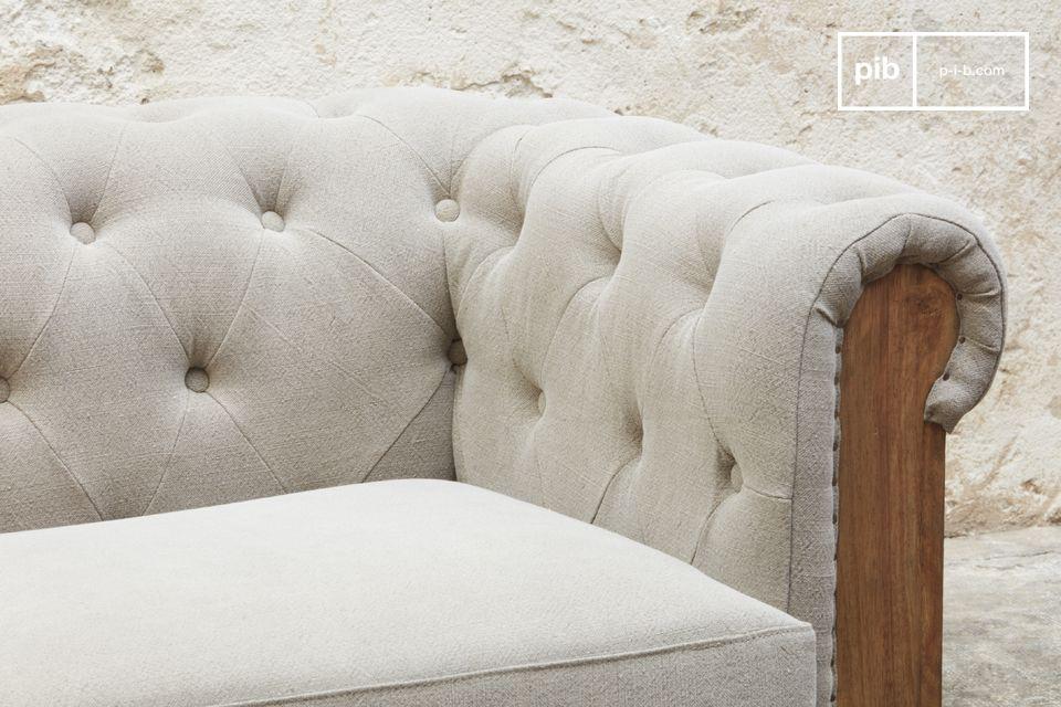 Este increíble sofá de gran formato en un diseño en bruto hará las delicias de los amantes de