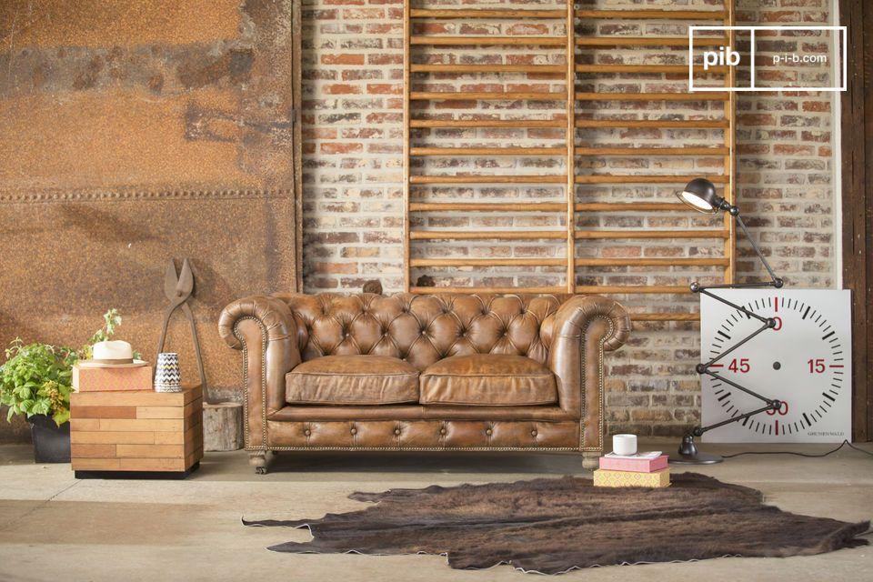 Aproveche de un ambiente club inglés con este sofa Chesterfield Saint Paul