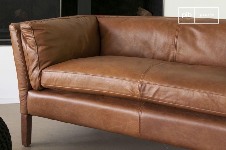 El sofá Hamar es probablemente uno de los sofás de cuero más hermosos con un impresionante