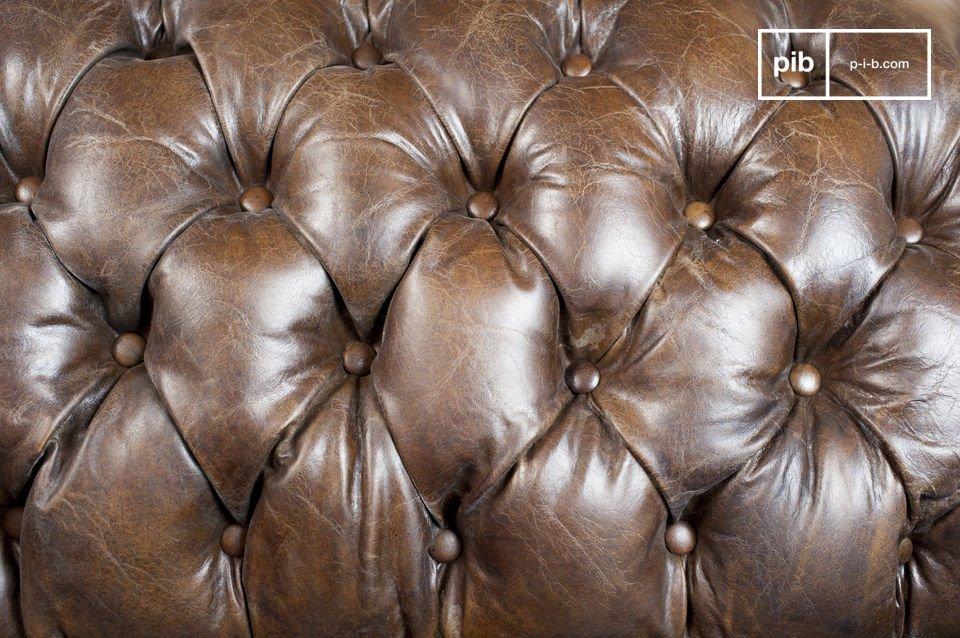 El acabado de este sofá es particularmente bien hecho