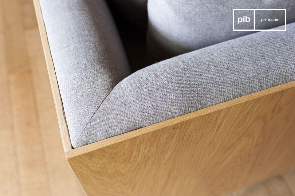El sofá Jackson posee cierta elegancia gracias a sus líneas rectas y sus apoyabrazos verticales