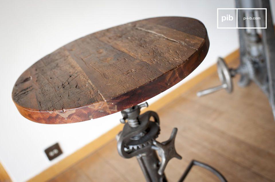 Un toque de estilo industrial lúdico para su mesa alta