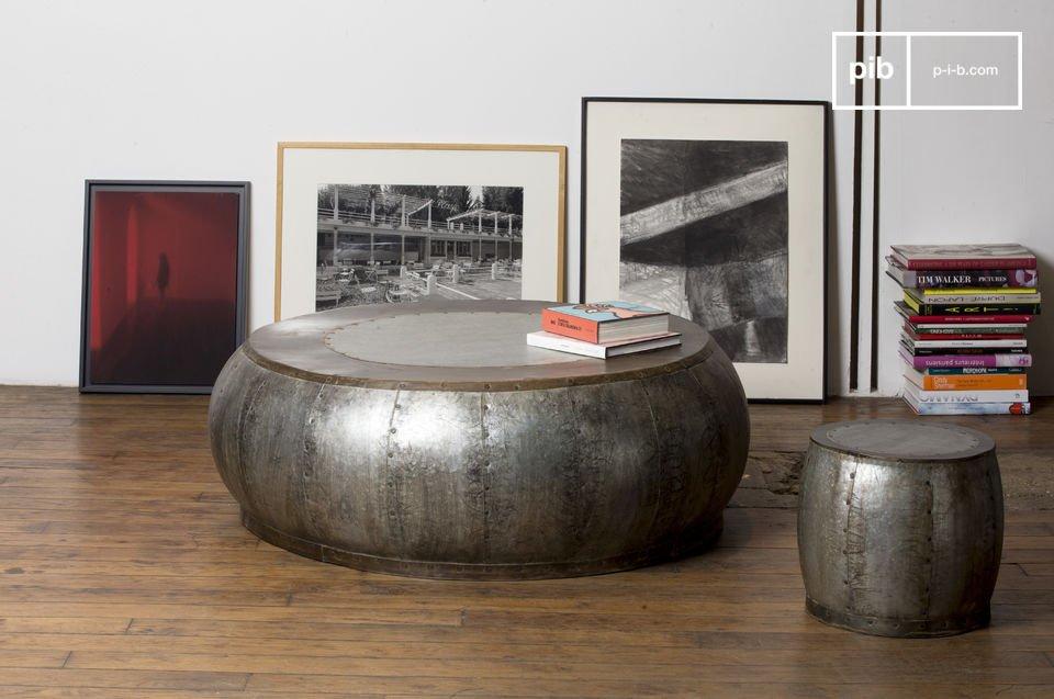 La mesa de centro metálica Tubisteel tiene todo el encanto del diseño industrial combinado con