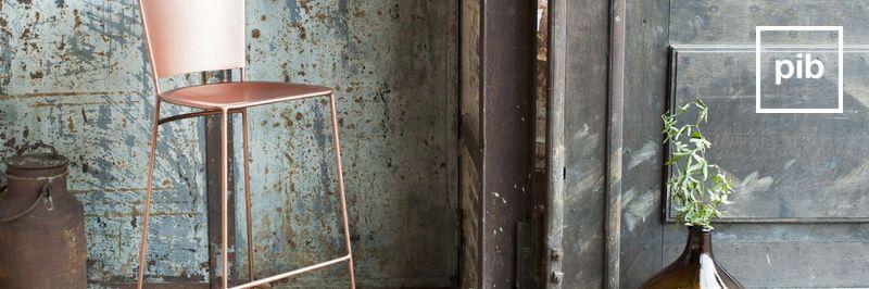 Taburetes de diseño escandinavo pronto de nuevo en la colección